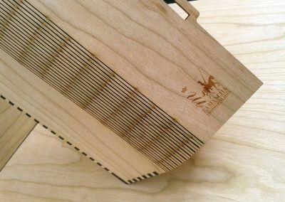 Caja de vino en madera