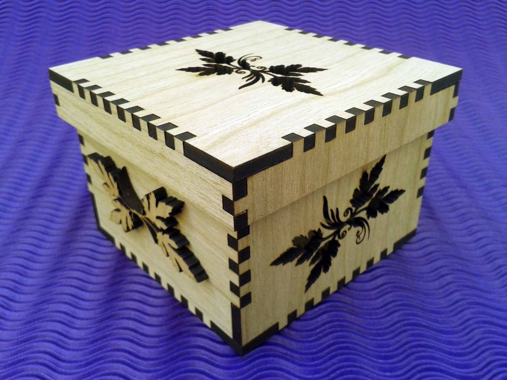 Cajas en madera cortadas con laser