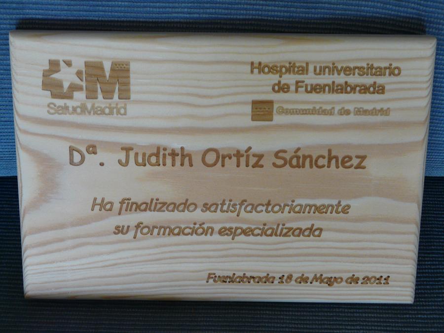 Diplomas grabados en Pino