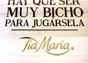 Grabado láser plato TIA MARIA