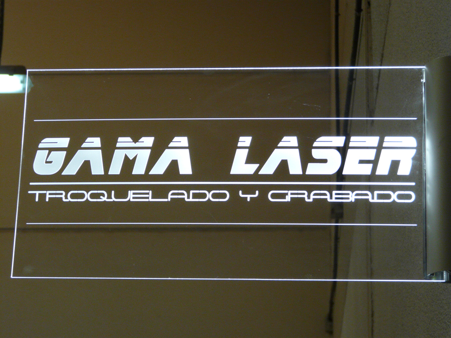 Luminoso grabado con láser