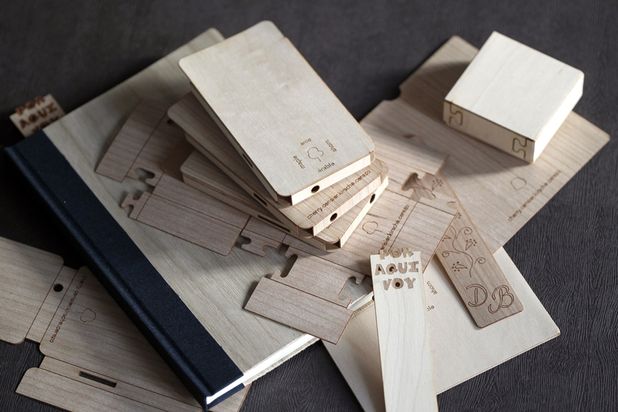 Packaging y libros en madera