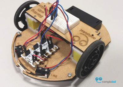 Robot en DM cortado por láser