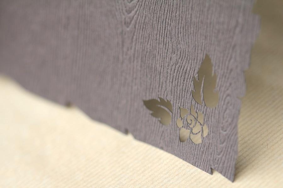 Corte por láser sobre papel texturizado